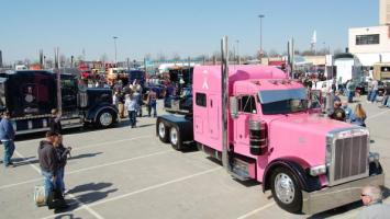 Custom rigs at the 2013 Mid America Trucking Show